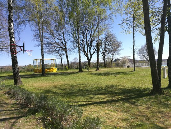 Villefranche-de-Panat, France: La vue depuis le camping