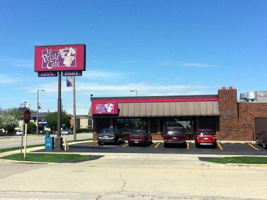 Westchester, IL: parking lot & entrance to Le Petite Cafe