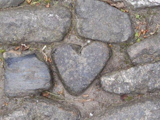 Marazion, UK: Giant's heart on way up