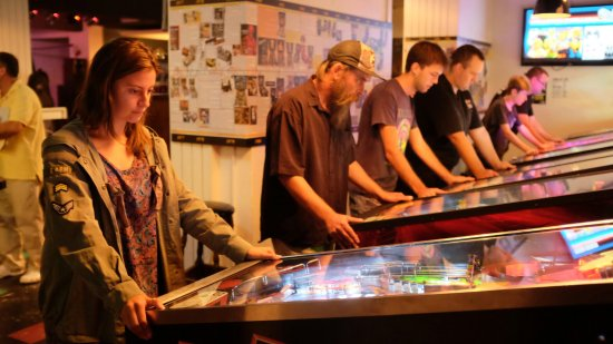 Coogee, ออสเตรเลีย: Play great collection of 15 pinballs. Opened  daily from 11AM till late. Check our website for s