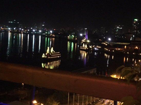 Khách sạn Majestic Sài Gòn: VISTAS NOCTURNAS