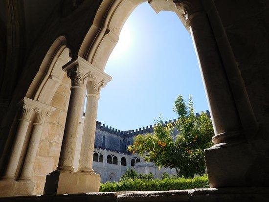 Batalha, Portugal: Lindo dia de sol
