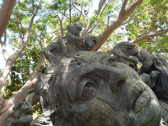 Estatua de medusa o algo parecido p picture of jardin - Estatuas de jardin ...