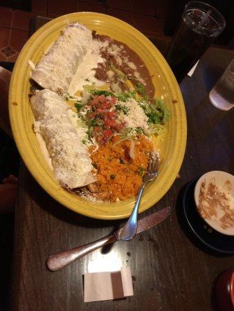 Δυτικό Seneca, Νέα Υόρκη: The husban'd burritos (note huge size)
