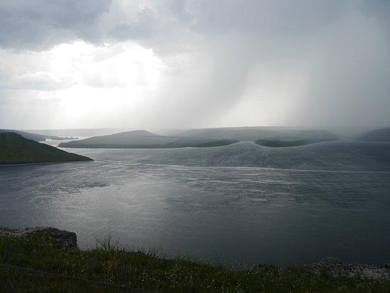 Kamianets-Podilskyi, Ukraina: Гроза над заливом