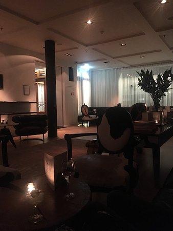 Lounge Bar 101: photo0.jpg