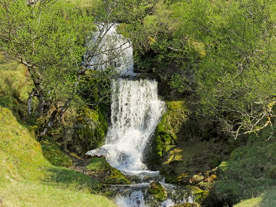 Assynt, UK: lovely little waterfall by the road