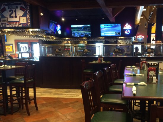 McHenry, MD: Bar area
