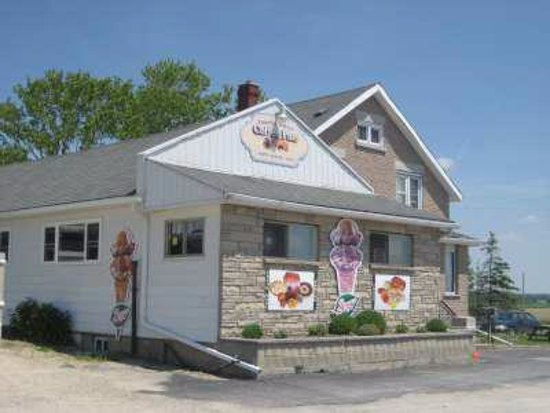 Northeastern Ontario, Canada: Coffee Plus, the busy little diner, was formerly know as Club 86