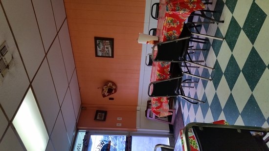 Marshall, TX: Cozy very casual dining with huge portions