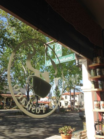 Rancho Santa Fe, Califórnia: NICE LITTLE TOWN - SMALL FRIENDLY STOP TO GET YOUR ESPRESS FIX