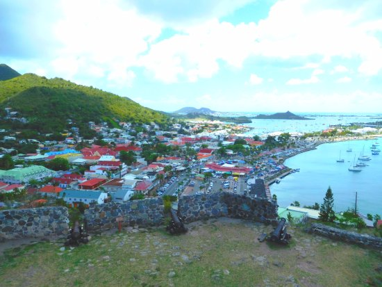 Marigot, St. Martin/St. Maarten: Commanding view from the top.