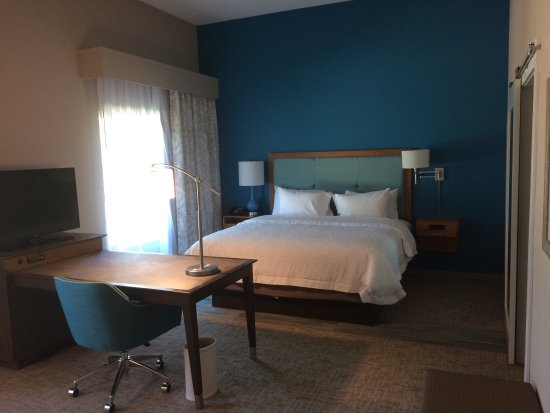Mary Esther, FL: Comfortable rooms New Hotel very friendly helpful staff!