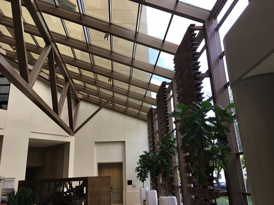 The Westin Dallas Park Central: Photos of the updated lobby area at the Westin.