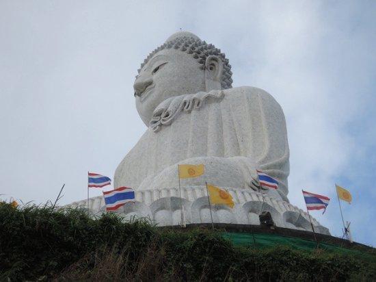 Chalong, Tailandia: พระใหญ่งามสง่าบนเขานาคเกิด