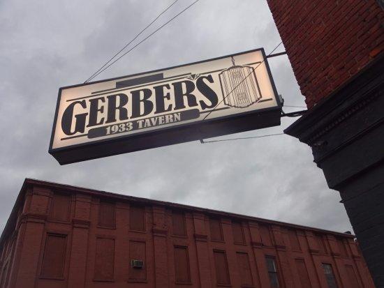 Utica, NY: signage