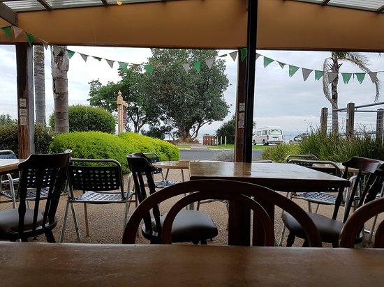 Rhyll, ออสเตรเลีย: Lunch time view.