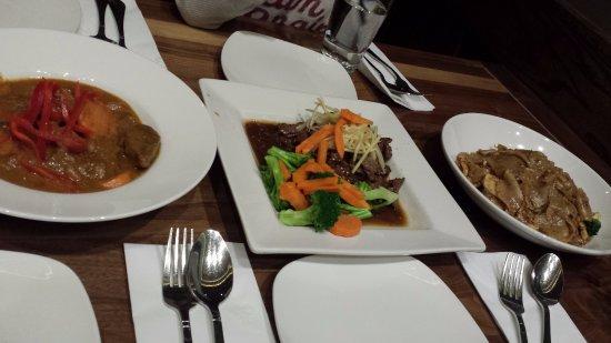 Neramitra: Siamese beef, Masaman Curry & Pad See Eaw