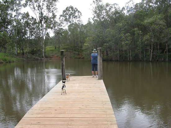 Atherton, Australia: Dam jetty for a spot of Black Bream fishing at Barking Owl Retreat