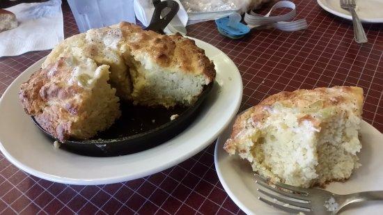 Medicine Park, OK: Skillet Corn Bread