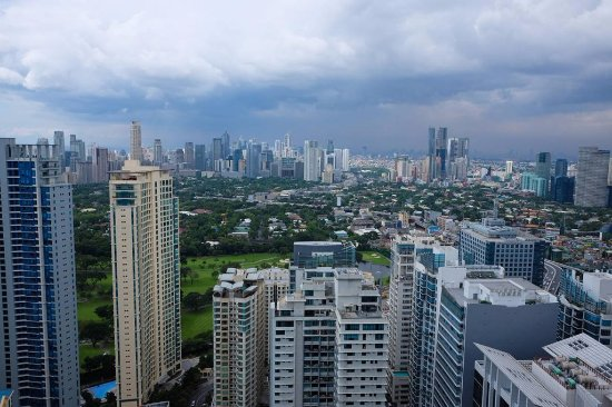 View Of Makati City From The Horizon Lounge Picture Of Shangri La At The Fort Manila Taguig