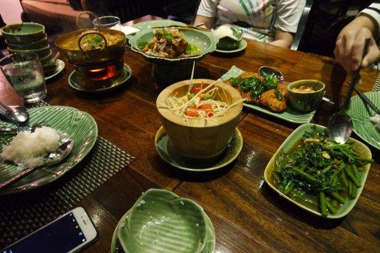 Som tam picture of apinara thai cuisine and bar bangkok for Ayutthaya thai cuisine bar
