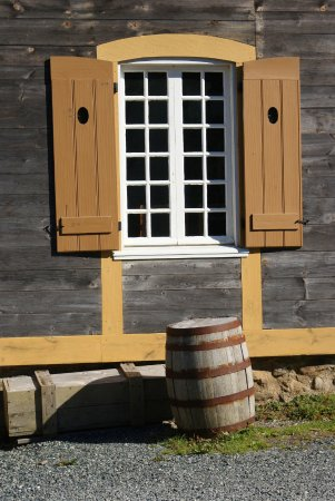 Louisbourg, Kanada: cooper's barrel and window