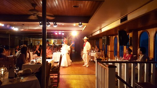 CaboRey Luxury Dinner Cruise: The Mexican Dancing begins