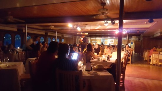 CaboRey Luxury Dinner Cruise: Mexican Songs