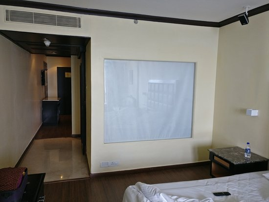 The Gateway Hotel Marine Drive Ernakulam: view from the bedroom showing the passage and sitting room