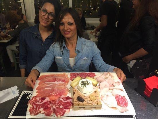 Dogana, San Marino: La Salumeria