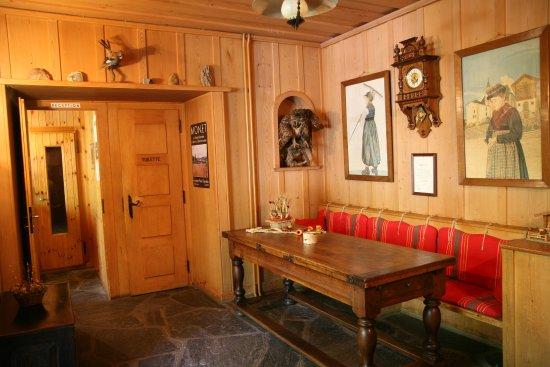Evolene, Szwajcaria: Hotel Hermitage reception