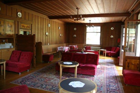 Evolene, Szwajcaria: Hotel Hermitage grand salon/salle de réunion d'époque