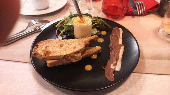 Aups, Frankrike: Foie gras , magret tranché