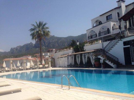 The Hideaway Club Hotel: image-0-02-04-62b8614f252a5138967472a258f95dd896db1d40c7de80917d306e1cada3a367-V_large.jpg