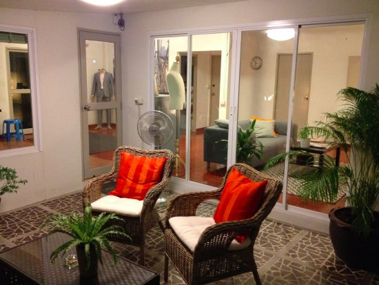 outside waiting area in the tot shop picture of tailor on ten rh tripadvisor com