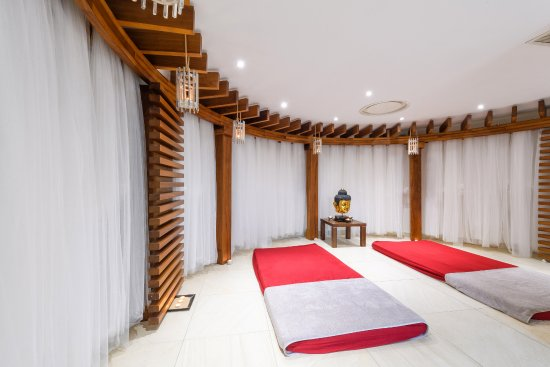 Asterias Beach Hotel: Thai massage Room