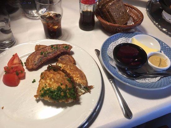Taulov, Danemark : Æggekage med flæsk