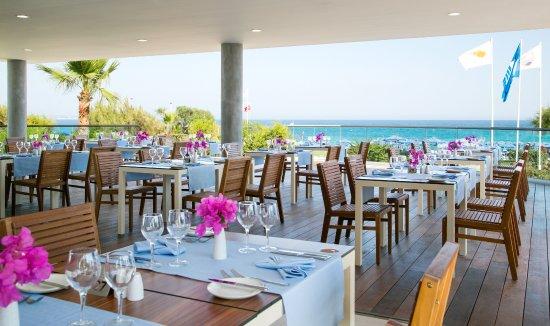 Asterias Beach Hotel: Koralli Seafood Restaurant