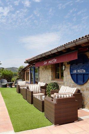 Asador  San martín  Restaurante: SOFÁS PARA APERITIVO O SOBREMESA