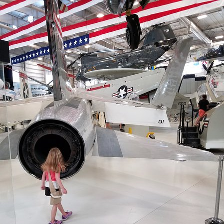 National Museum of Naval Aviation : Planes on the floor and through the air.