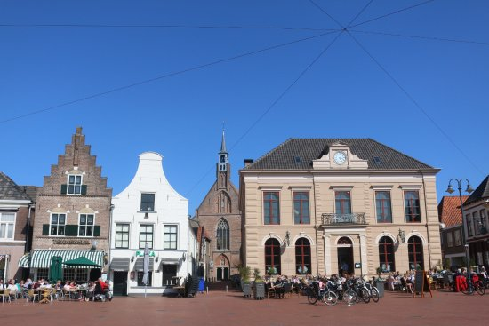 Steenwijks market on a sunny day