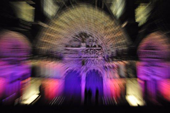 Les Nuits Lumiere: le portail du Jugement dernier