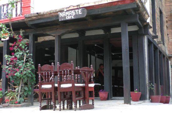 Bandipur, เนปาล: The Namaste Cafe (chef included)