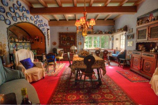 Ala di Stura, Italia: Common living room/ breakfast area