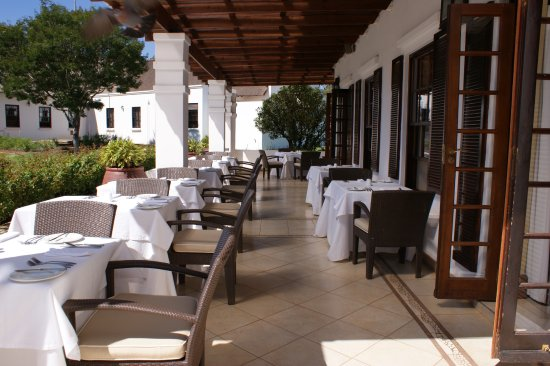 Kievits Kroon: Outside dining area