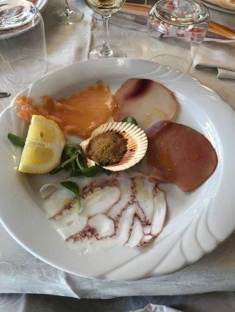 Granozzo con Monticello, Италия: Piatti del ristorante.