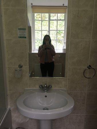 Grange-over-Sands, UK: Bathroom