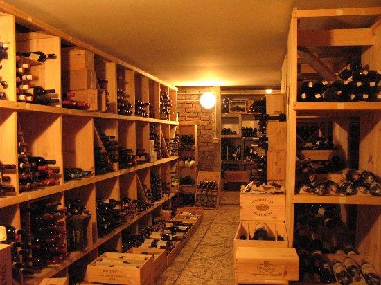 Locanda San Lorenzo: Cantina vini rossi