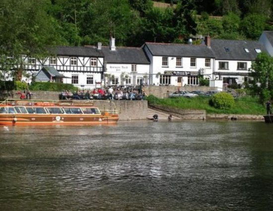 Symonds Yat, UK: My view on first arrival lol!